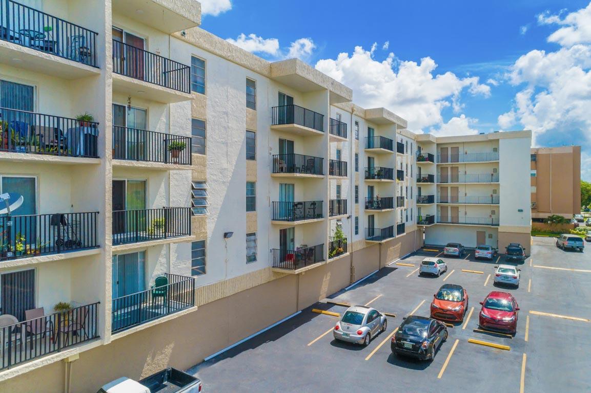 Zoom GalleryTodel Apartments property Image #12