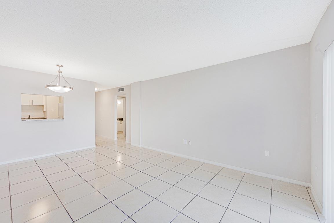 Zoom GalleryTodel Apartments property Image #23